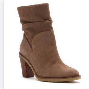 Vince Camuto VC-Parka brown suede ankle boot 6